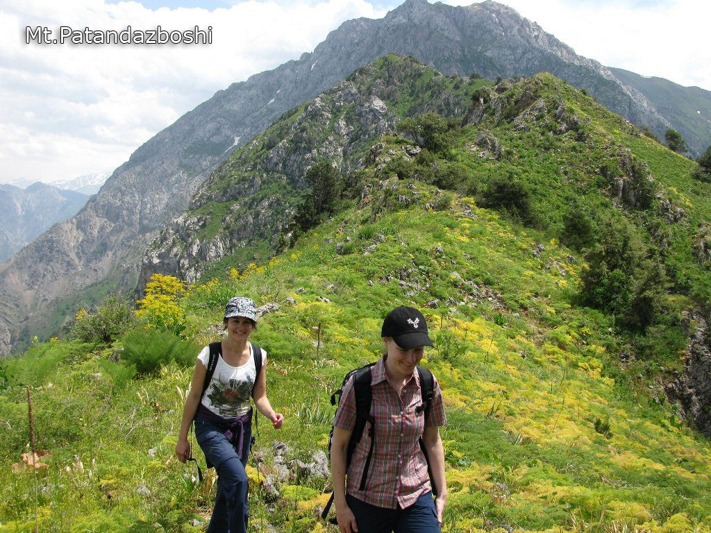 Uzbekistan hiking trekking in Ugam-Chatkal national park to mountain Patandazboshi peak