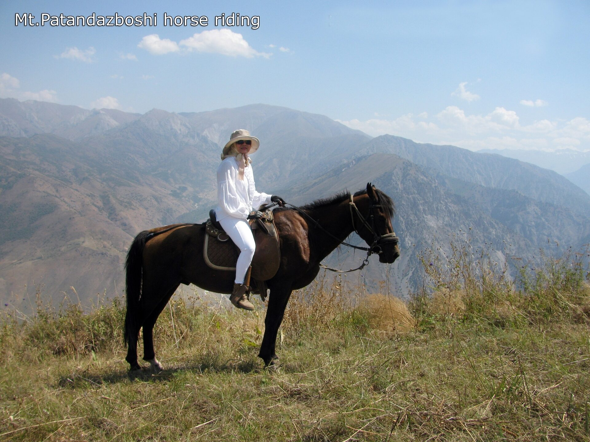 Uzbekistan horse riding in Ugam-Chatkal national park mountain Patandazboshi