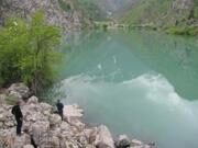 Hiking Trekking in Uzbekistan to mountain lakes Urungach (4)