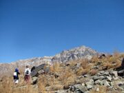 Uzbekistan hiking trekking tour in Ugam-Chatkal national park to Kumbel pass petrogliphs