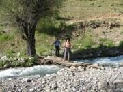 Hiking trekking in Uzbekistan in Ugam-Chatkal National Park to Aksarsay waterfall (4)